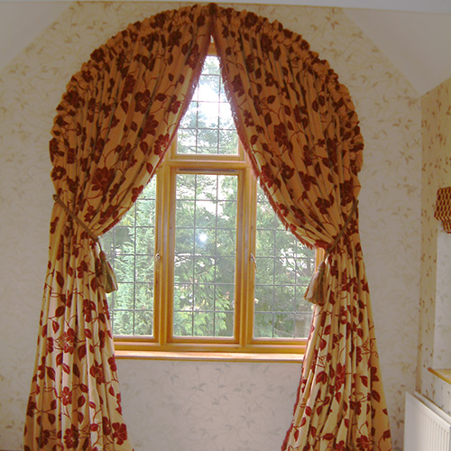 Curtains for arched window