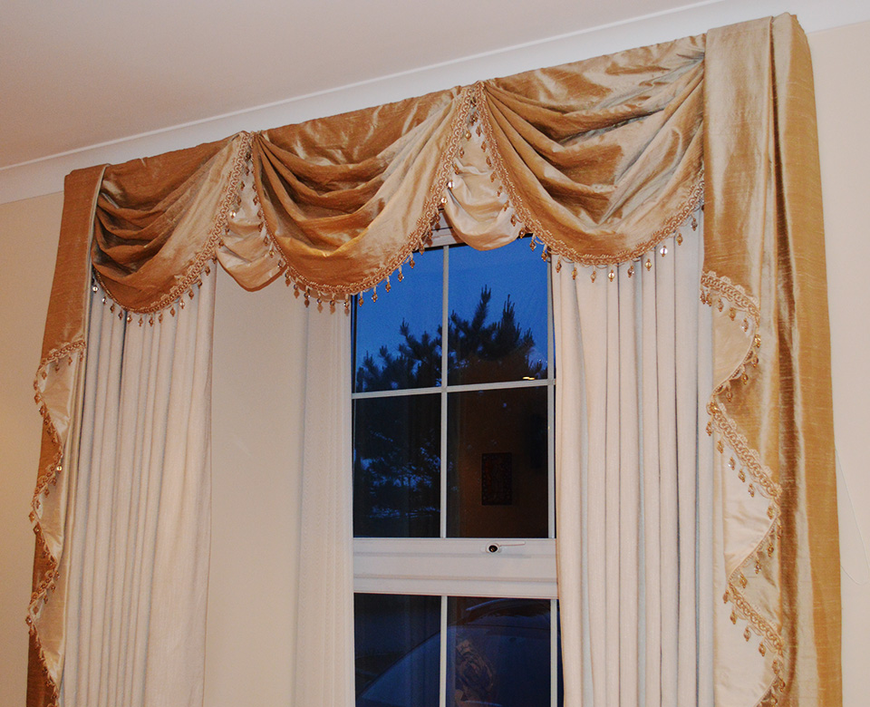 Curtains – swags and tails
